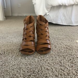 Brown casual wedge/heel
